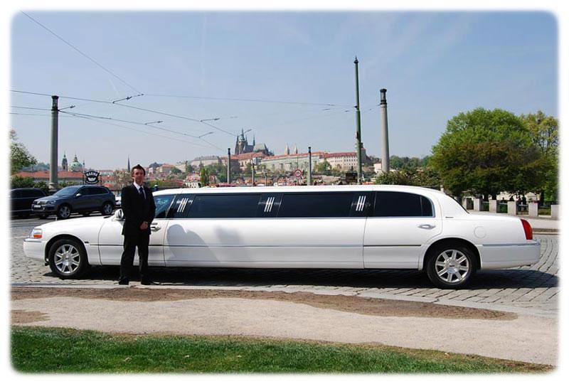 Stretch Lincoln Limousine Town Car 120 Prague Airport Transport
