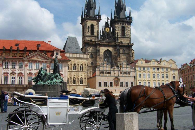 Transport mellem Prag og Rokytnice nad Jizerou