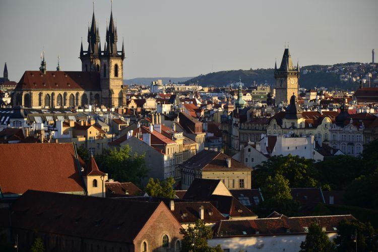 Transport mellem Prag og Pardubice